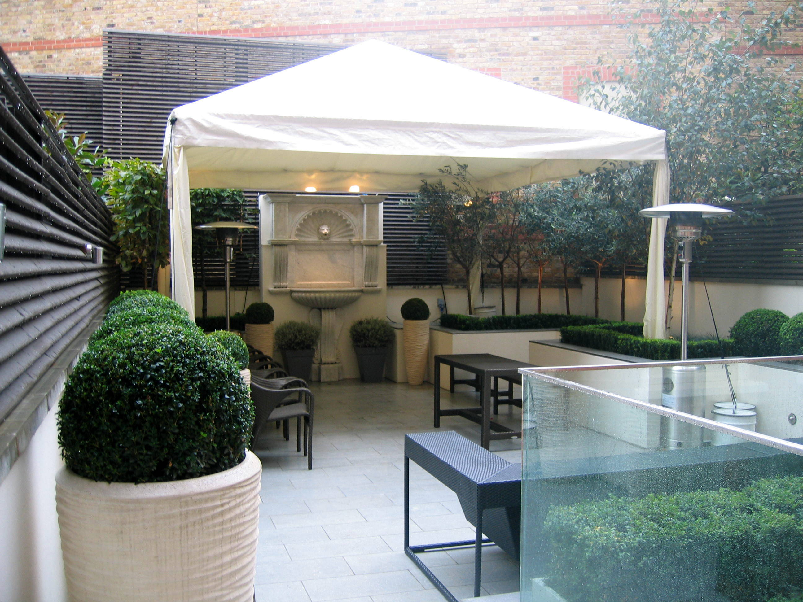 Key Strucutres Ltd have garden marquees to hire from simple rain covers to more elegant structures. (5) : canopy hire london - memphite.com