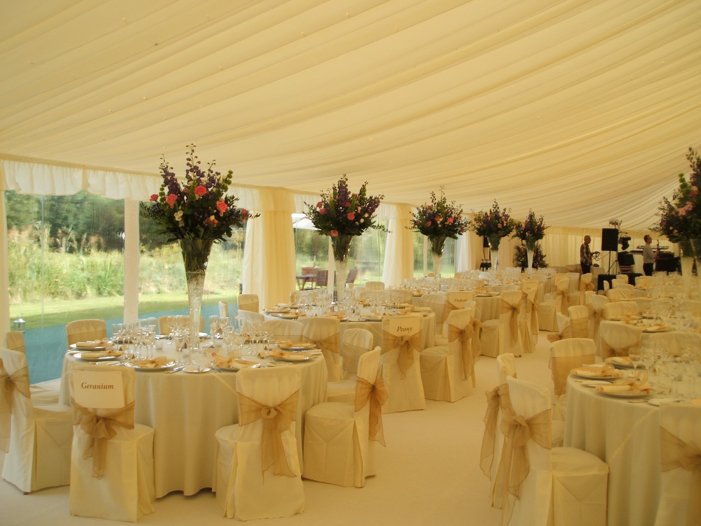 Wedding marquee hire key structures ltd for Wedding interior decoration images